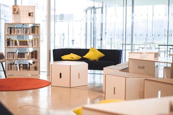 MO(t)DULOUVRE : design d'espace, mobilier modulable conçu pour diversifier les usages de la médiathèque du musée du Louvre-Lens