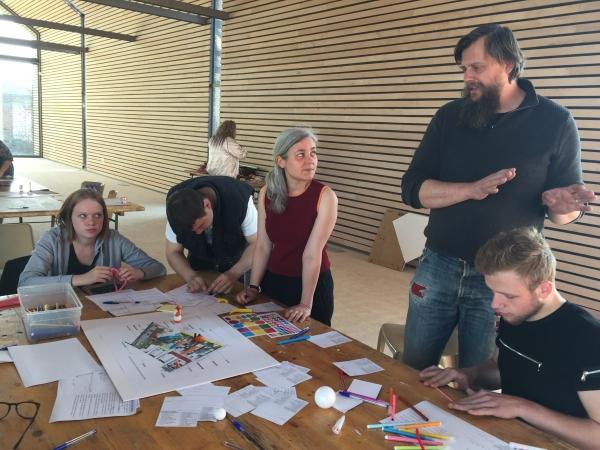 Concevoir les futurs usages de la Cité des Électriciens avec les habitants de Bruay-la-Buissière - Conception et animation d'un dispositif d'écoute et d'implication des habitants