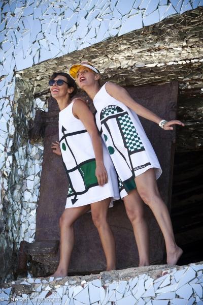 édition de robes identitaires pour hôtesses pour un évènement (Le Mans Classic) à partir du logotype + charte graphique