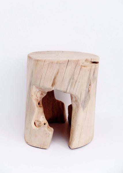 Assise sculptée aux ciseaux à bois