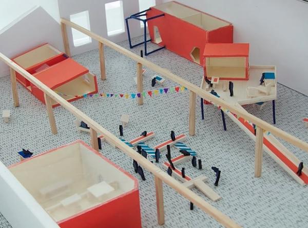 SHED / Partie III : Réalisation d'une maquette de la friche avec les modules. Ce lieu correspond à un tiers-lieux avec des ateliers d'artistes, un centre social et des espaces de convivialité. Projet répondant aux besoins dans le Valenciennois.