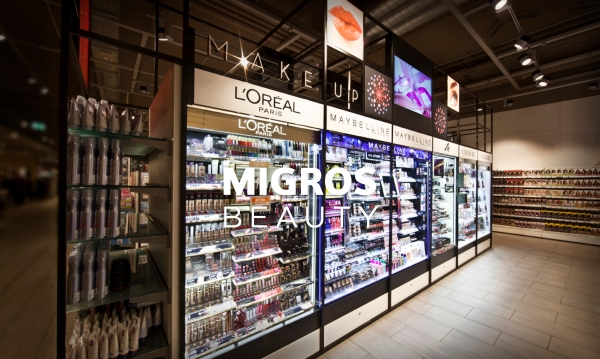 MIGROS (Suisse) - Création du mobilier & de la signalétique, APS et suivi de fabrication.