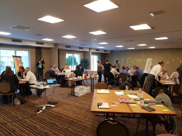Atelier pour mobiliser l'intelligence collective pour définir la communication de la fédération. Objectif: Définir un plan de communication grâce à la définition des axes prioritaires  de communication et au contenu des messages associés.