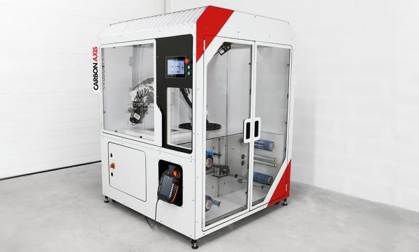 Cellule robotisée CARBON AXIS / Penser à une cartérisation de machine outil à la fois identitaire et sécuritaire pour gagner la confiance du marché du composite.