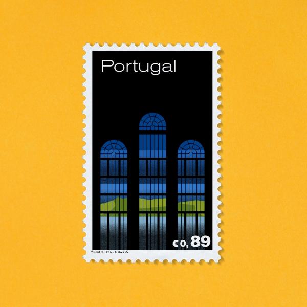 À Lisbonne, j'ai découvert un joyau de l'architecture: la centrale Tejo.  J'ai créé une série de trois timbres relatant son architecture et son rapport à l'électricité tout en transmettant la force de fascination dont elle rayonne.